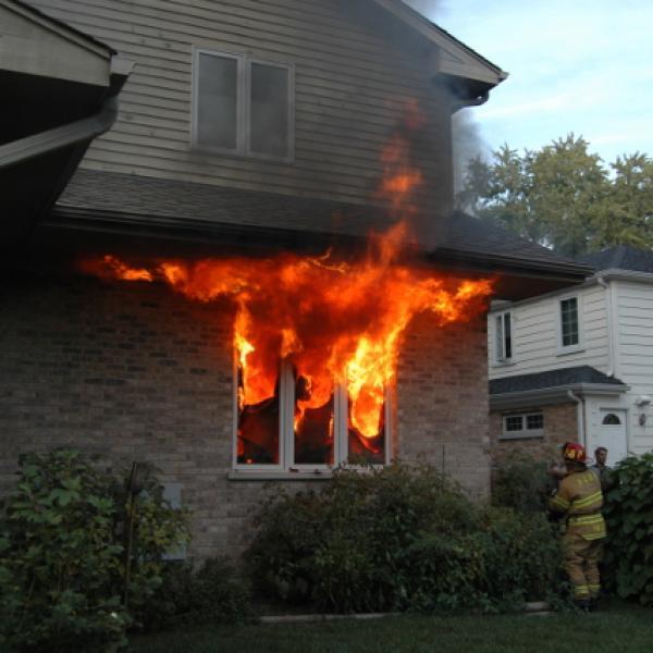 ¿Cómo nos protege el corcho del fuego?